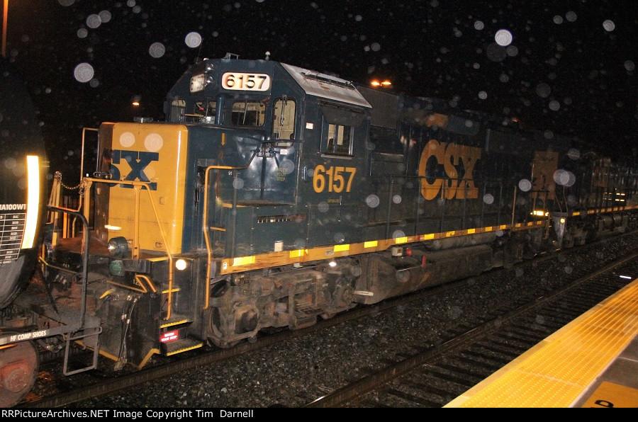 CSX 6157 on Q403